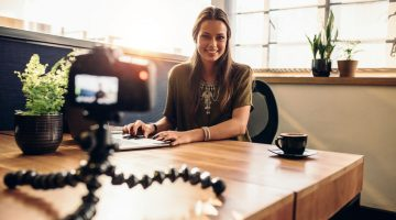 Blogging or Vlogging: Which Is The Best For Business?
