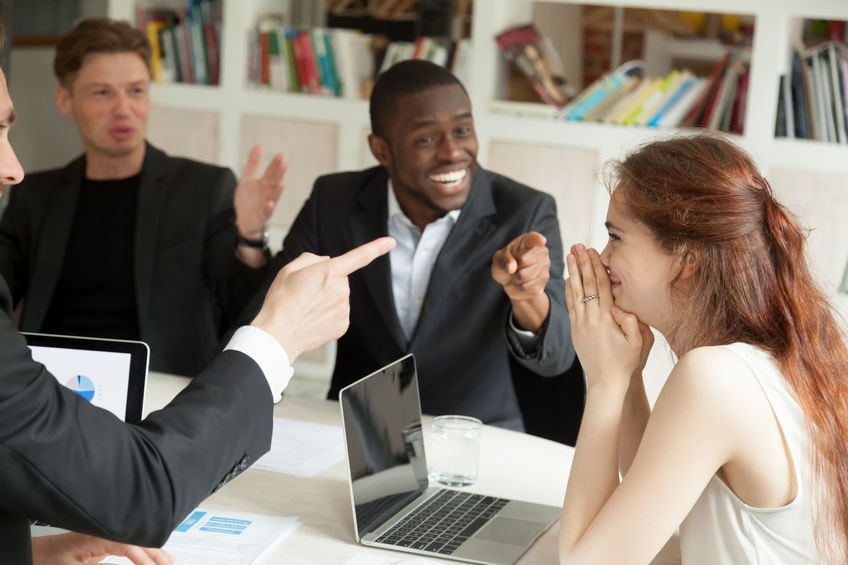 How to Recognize Outstanding Employee Performance