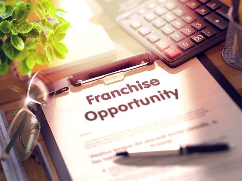 5 Reasons to Start a Franchise Business
