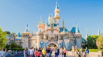 How Disney Creates World-Class Guest Experiences: 4 Keys to Their Success
