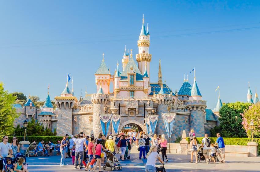 How Disney Creates World-Class Guest Experiences: 4 Keys to Their Success
