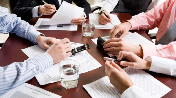 How Often Should You Be Holding Staff Meetings?