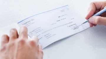 Direct Deposit vs Payroll Card: Pros and Cons