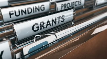 3 Places to Get Grants to Open a Business