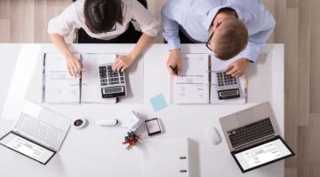 How to Manage Financial Risk for Your Business