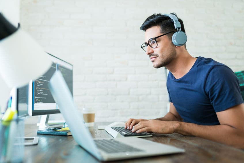 5 Awesome Gadgets Business Owners Can Have in Their Home Office