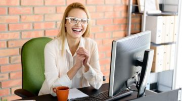 Fascinating Reasons Why You Should Start Wearing Your Glasses to Work