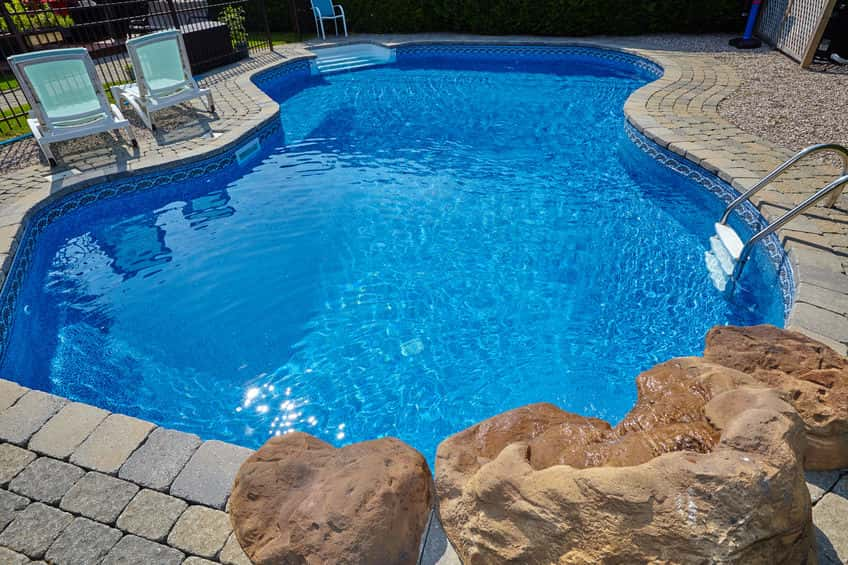 Fiberglass Vs Concrete Pools – What You Need to Know