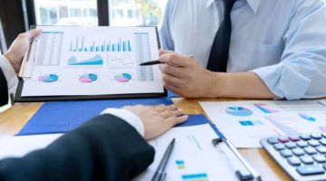 Difference between Financial Managers and Wealth Advisors in Tucson, AZ